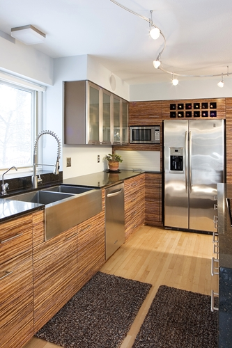 Blending wood finishes in your kitchen
