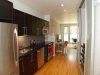 Light vs dark design in your kitchen