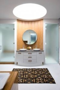 Tips for decorating a white bathroom